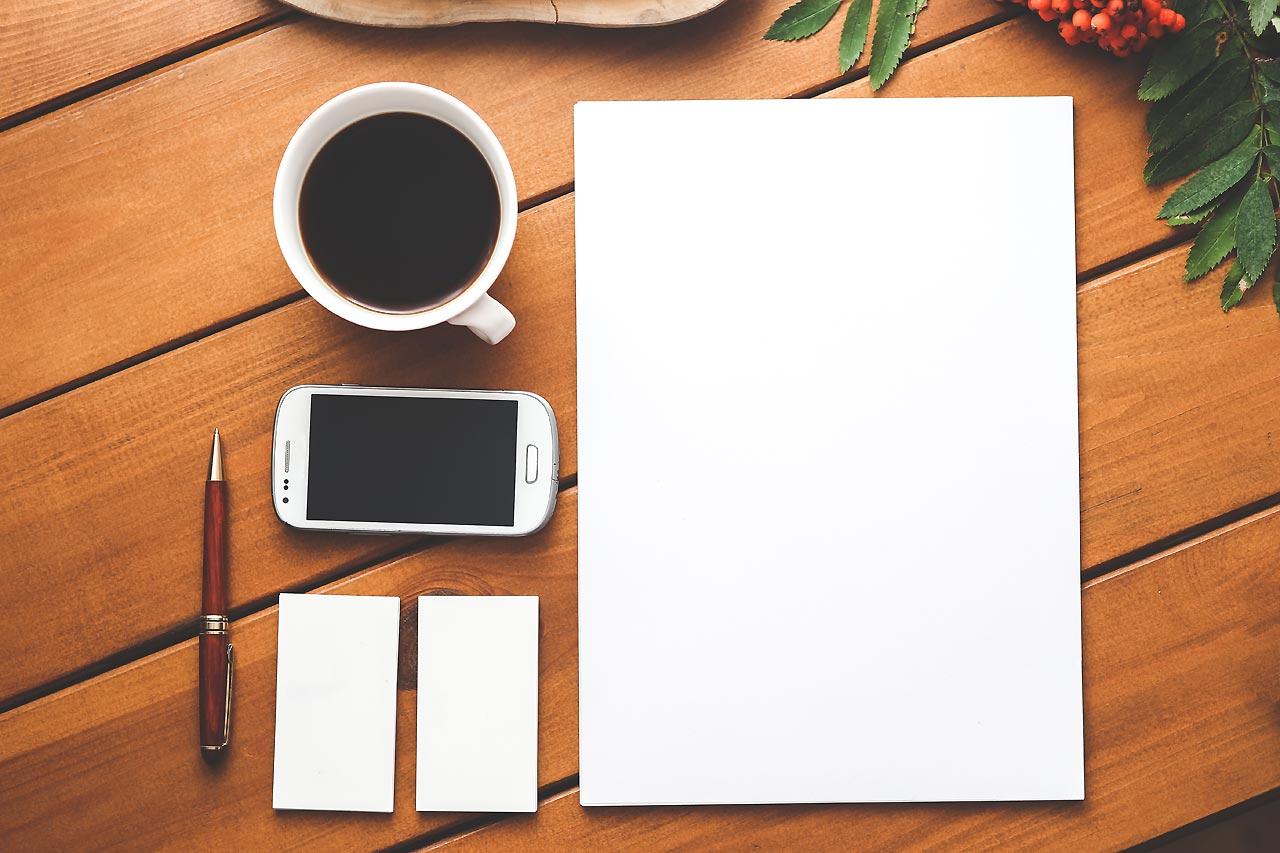 Illustration - Schreibtisch mit Utensilien